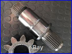 496439 Splined Shaft Cifa & 210989 Gear