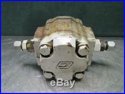 Commercial Intertech 303-9219-821 Hydraulic Motor 1-1/4 x 14 Spline Shaft