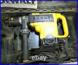 DeWalt 1-9/16 Spline Rotary Hammer D25553 with side Handle and Hard Case