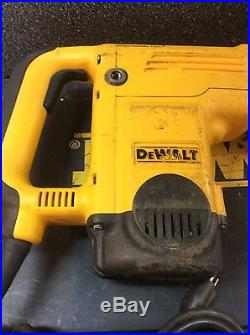 DeWalt D25551 Spline Drive Rotary Hammer Drill w Case + Bits 1 9/16 Type 1