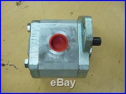Hydraulic pump 73162656 Quality John S Barnes 06160B 13 spline Fiat Allis