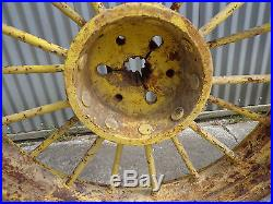 John Deere A rear round spokes 12 spline