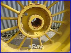 John Deere D rear round spokes 6 spline 8x28