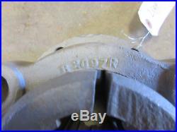 John Deere unstyled B 10 spline rear axle bolt in hub B2186R