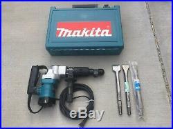 Makita HM0810B 11-Pound Corded Spline Shank Demolition Hammer with 3 chisels