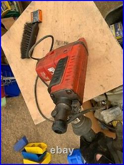 Milwaukee Thunderbolt 5311-6 1-1/2-Inch Spline Drive Rotary Hammer Kit Tested