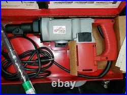 Milwaukee U. S. 1 1-1/2 Stop Rotation Corded Rotary Hammer Drill & Metal Case