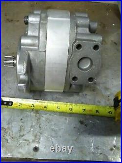 New Parker Pump, M11af1d 7/8 13 Spline. New From Surplus