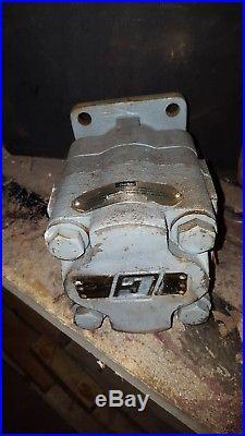 Parker Hydraulic Gear pump/motor 312-9113-879. Flange mount fitting PTO, spline